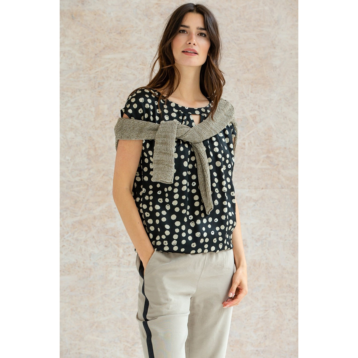 top s s aop dots 03226 geisha t-shirt black/sand combi