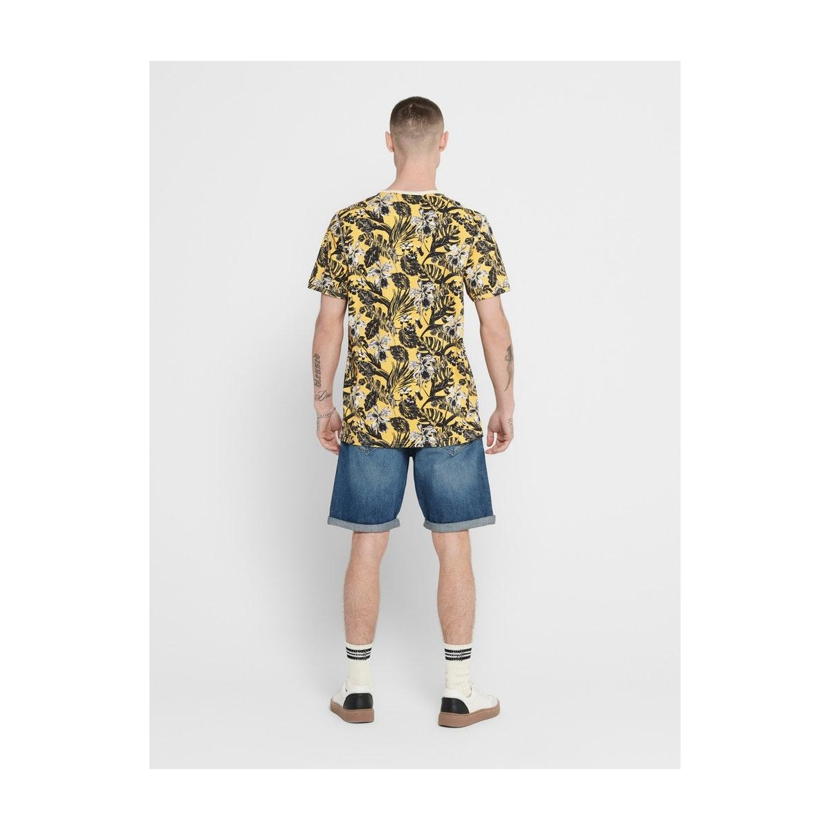 onscan life slimraw edge aop tee nf 6215 22016215 only & sons t-shirt misted yellow