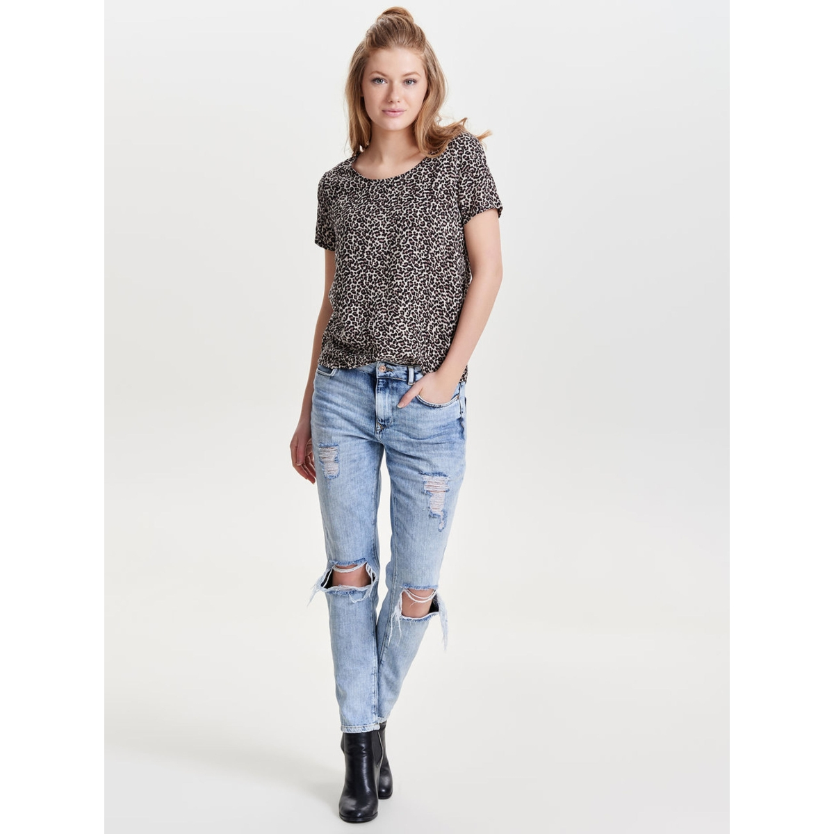 onlfirst ss mix aop top  noos wvn 15138761 only t-shirt desert taupe/ mini