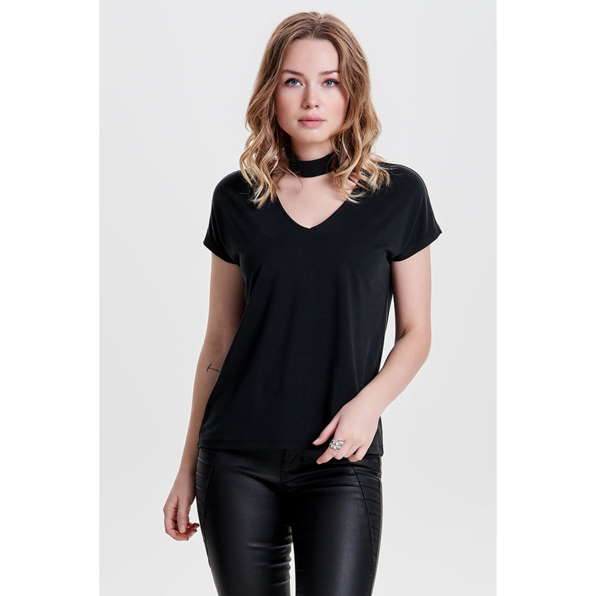onlmili s/s choker top ess 15146934 only t-shirt peat