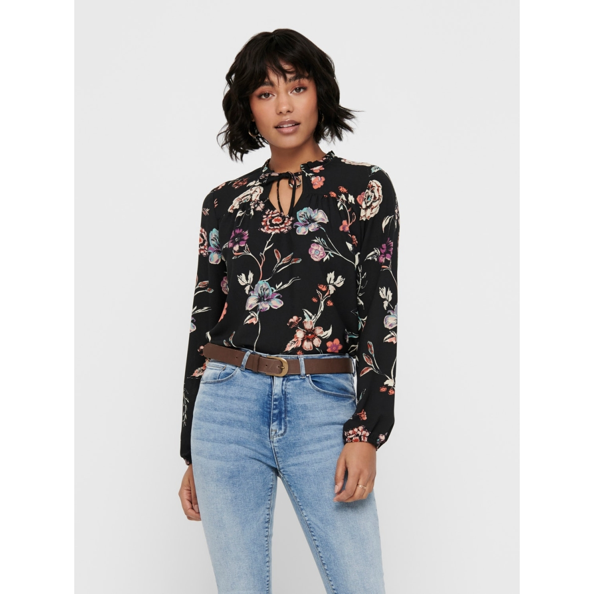 jdyruby l/s top wvn 15193834 jacqueline de yong blouse black/big flower
