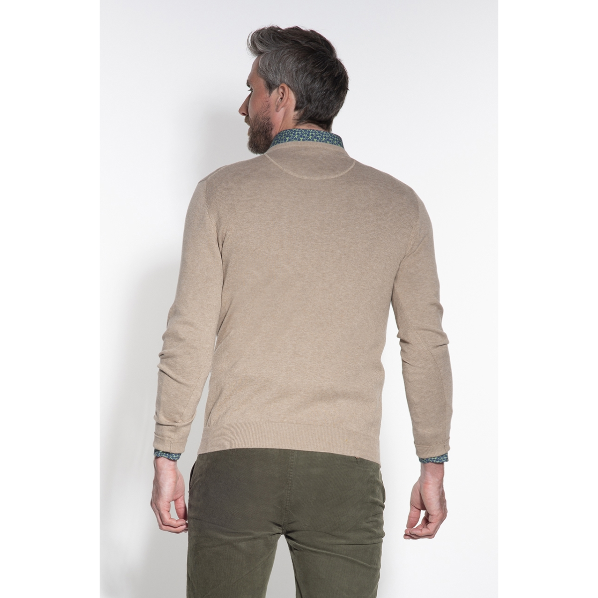classic pullover v hals 044530 campbell trui 004 beige