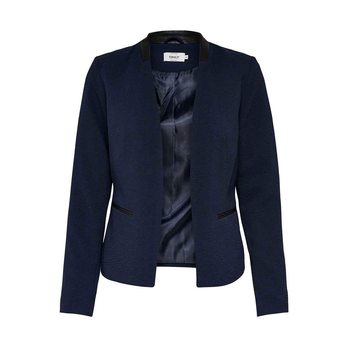 Every Guy Should Own A Navy Blazer — Here's How To Wear One. Megan Willett. Aug. 7, , AM but aside from aa= navy or black shirt, almost any contrasting color (or pattern!) will do.