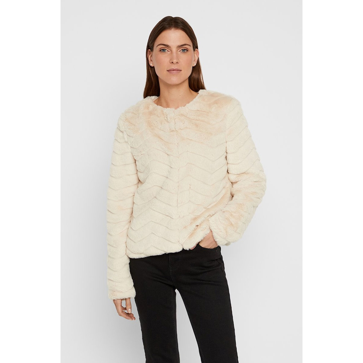 vmbrooklyn faux fur short jacket bo 10214984 vero moda jas birch