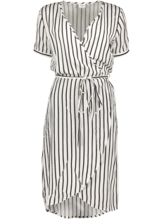 Jacqueline de Yong Jurk JDYKING S/S WRAP DRESS WVN 15157406 Black stripes/cloud dancer