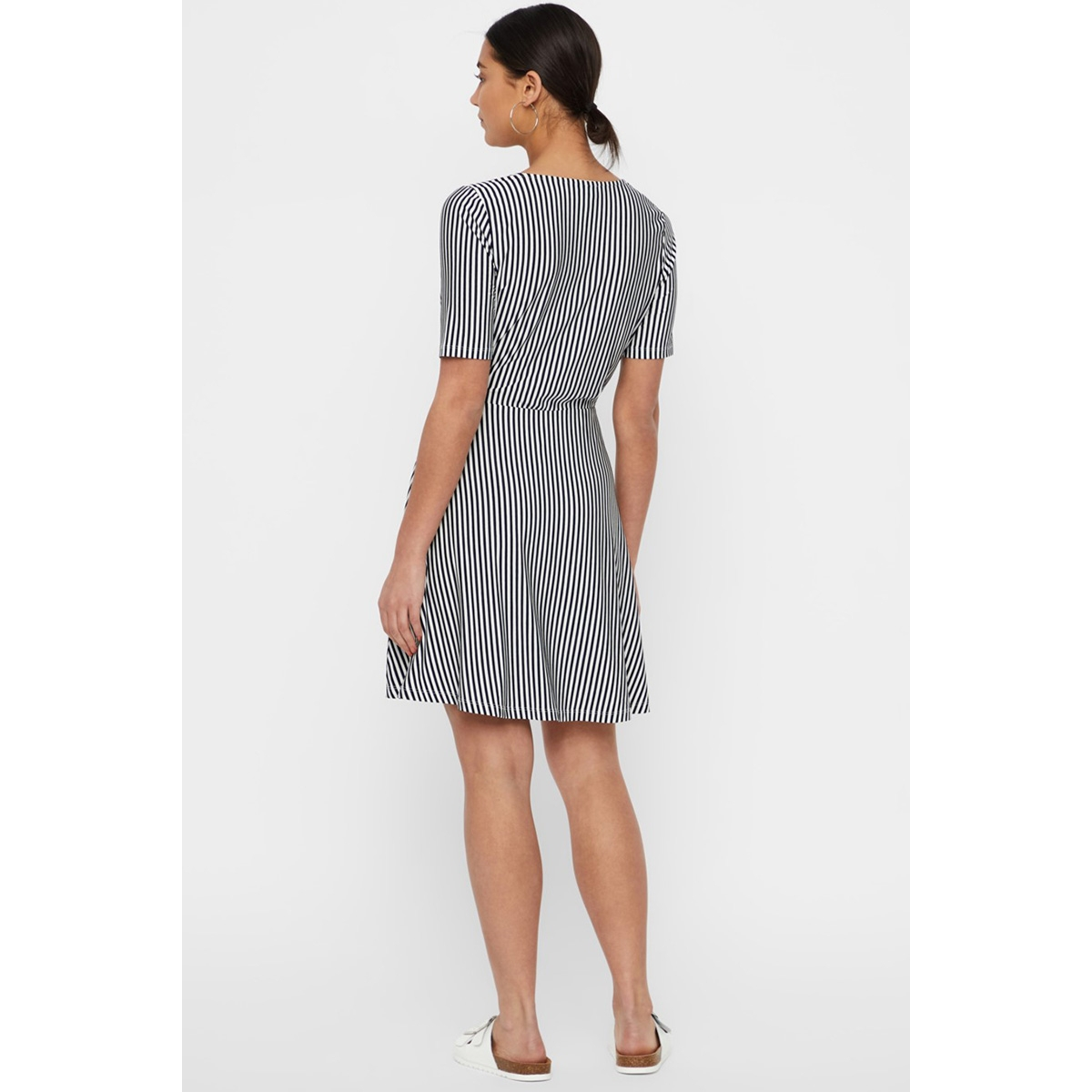 vmava ss short dress jrs 10214459 vero moda jurk night sky/snow white