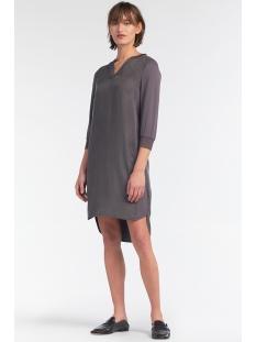 tuniekjurk met langere achterkant 23001603 sandwich jurk 80025