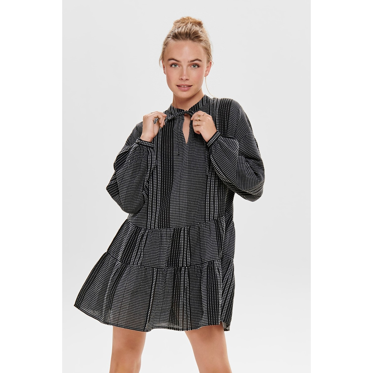onlnew athena l/s dress wvn 15203397 only jurk black/black w. white