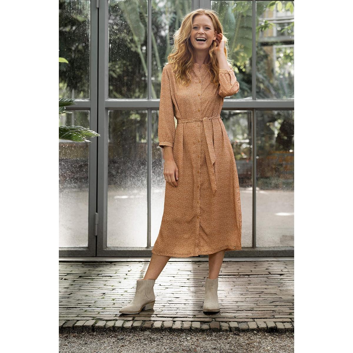leuke lange jurk met print zusss jurk honing
