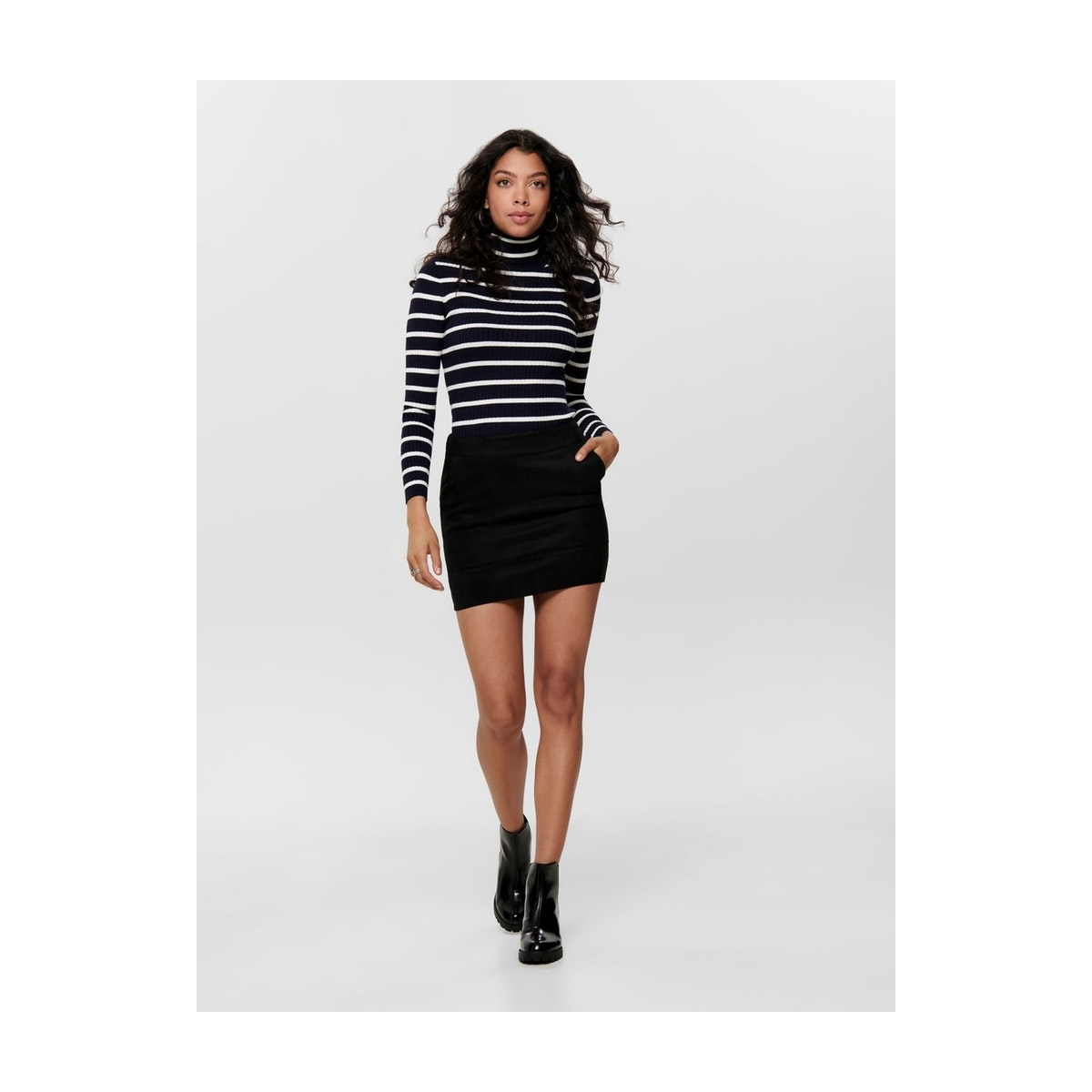 onljulie fauxsuede bonded skirt otw 15165913 only rok black