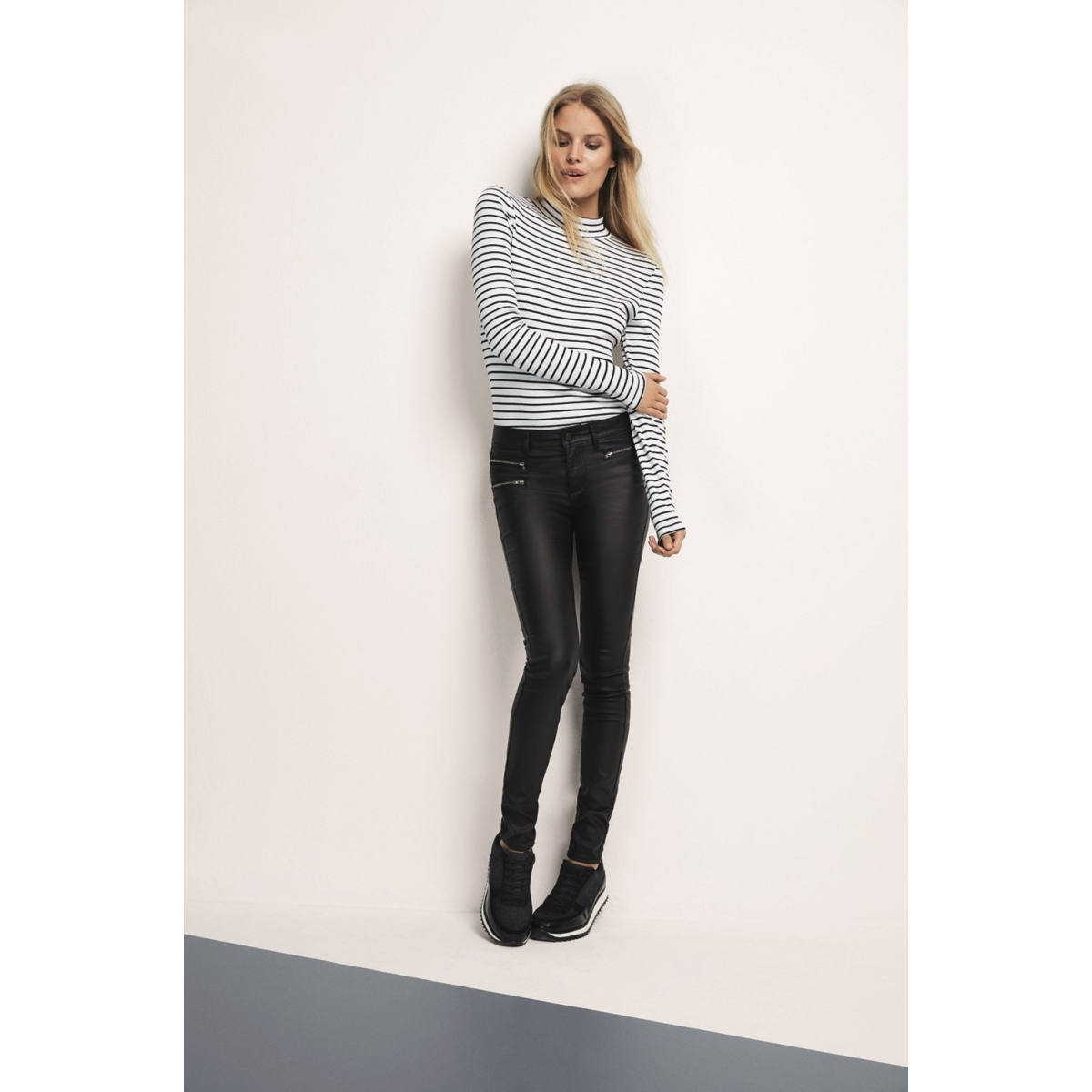 vicommit rw zip coated-noos 14036948 vila broek black