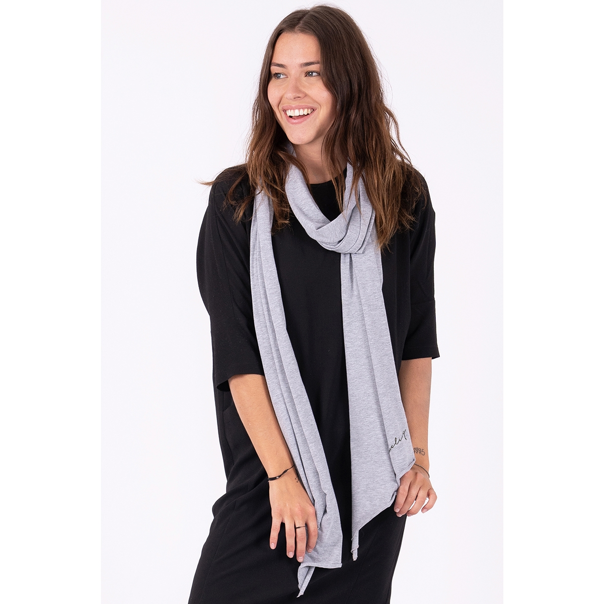 toffe basic sjaal 03ts19fbgr zusss sjaal grijs melee